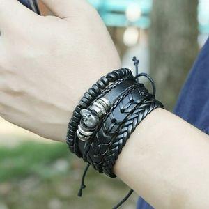 Leather skull's bracelets